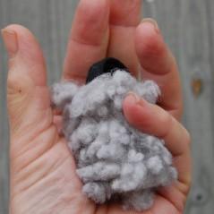 Mini tug in pelo di pecora, premio tascabile per cani